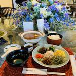 ヨロンの味たら - ☆鶏飯(けいはん) ◎ 奄美地方の伝統的な郷土料理。