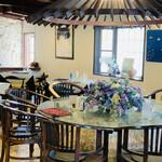 ヨロンの味たら - ☆『ヨロンの味たら』の料理長の中さん作る郷土料理は島民のファンも多い。
