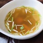 レストラン ユっぴー - セットのスープ。