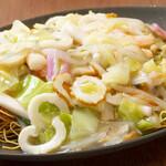 萬龍 - 細麺と太麺ミックス皿うどん