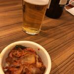 韓丼 - キムチと瓶ビール