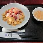 146954679 - ぷりぷり海老の葱塩炒飯