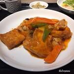 中国料理 空 - 揚げ豆腐のピリ辛煮込み