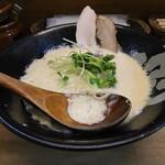 ぼっこ志 - 鶏白湯(780円、斜め上から)