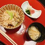 nihonryourioosakakourimbou - 釜炊きあさりごはん、味噌汁