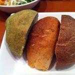 ヨシズハイ - ランチの自家製パン、食べ放題♪
