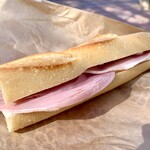 トシオークーデュパン  - トシさんのジャンボン最高です。パンとハムとチーズ。これだけなのにこれ以上のものってないなぁと。