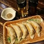 居酒屋 龍のす - 肉汁たっぷり焼き餃子 5個 550円