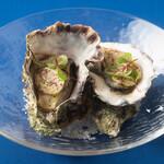 ル・キャトルズ - 牡蠣の250℃焼き 自家製海藻バター