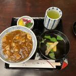 Kandamatsuya - カレー丼