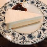 ピーくんカフェ - レアチーズケーキ