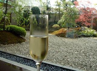 日本料理 木の花 - シャンパンと・・庭