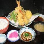 磯一 - 天ぷら盛り合わせ定食1600円〔特大えび.季節の野菜.旬の魚など〕