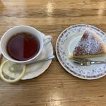 あすか - 料理写真:紅茶とチーズケーキ