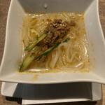147007553 - * 特製冷麺ハーフ 390円