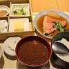 うちの食堂 - 料理写真:お櫃のまま、食べた。小鉢と思ったら茶わん。お代わりした。