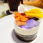 bistrocafe THE FLOWER TABLE - 特製ガトーショコラ