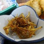 網元料理萬蔵丸 - 網元定食のしらすの佃煮
