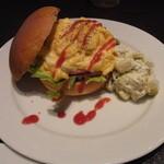 欧風酒場ナベ - スクランブルエッグのサンドイッチ