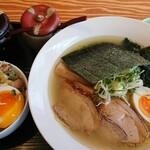 昔風中華そば そうすけ - 料理写真:塩山わさびラーメン(¥850)と味たま叉焼丼のセット。(¥1050+¥150) わさびと良く合うスープ。