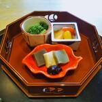神楽坂 前田 - 先付 菜の花のおひたし 三色の生麩 南蛮漬け