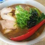 餃子とワイン 果皮と餡 - 「馬告」台湾スパイス 九条ネギと若鶏コンフィのカレー南蛮中華そば アップ