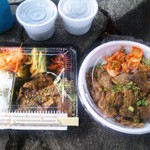 焼肉丼 - 弁当(500円)と焼肉丼