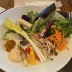 バルバッコア - サラダ盛りすぎ注意報