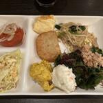 INSPA - 前菜ブッフェ