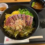 司食堂 - 鰹丼 900円。