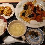上海キッチン 豪華 -
