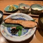 居酒屋 たぬき - [ランチ]鮭の西京焼き