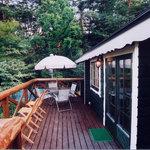 オープンカフェ はぴねす - 暖かい日はバルコニーで自然の中でお食事も出来ます。