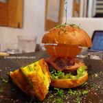 アロー ツリー - 料理写真:ハンバーガー