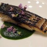 147104189 - 鯖の炙り,春菊のソース
