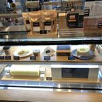 THEO'S CAFE by JUCHHEIM - ショーケース