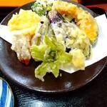 川音亭 - フキノトウ&干し柿の天ぷら