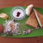 モモグミ - A:アーモンドバタートースト