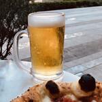 147133230 - 生ビール 400円(ピザとセットで50円引き)