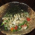 居食屋 響 - ネギじゃこサラダS(500円)