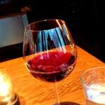 147157317 - 赤ワインはクセの少ないピノ・ノワールに 202103