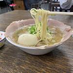 中華そば 紅蘭 - 並チャーシュー麺 煮卵