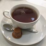喫茶ハーモニー - ミルクティーを注文しました。 ミルクティー360円にモーニングセットが黙っていても付いてきます。