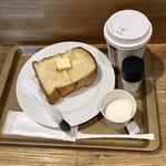 ブリオッシュ ドーレ - トーストモーニングセット429円