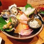 一寸法師 - 特上海鮮丼(1,800円)