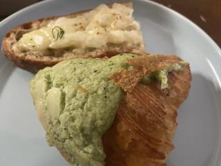 BOUL'ANGE - 菜の花のクロックムッシュ、新玉ねぎのタルティーヌ