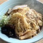 札幌らーめん日和 - 料理写真:黒しょうゆ+ワンタン+もやしハーフ