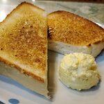 東亜コーヒーショップ - トースト、タマゴサラダ