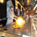 鉄板焼・愛宕 - フォアグラをフランベ