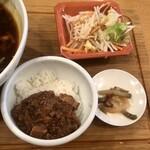Taiwantami - ランチセットの小肉味噌ごはんなど